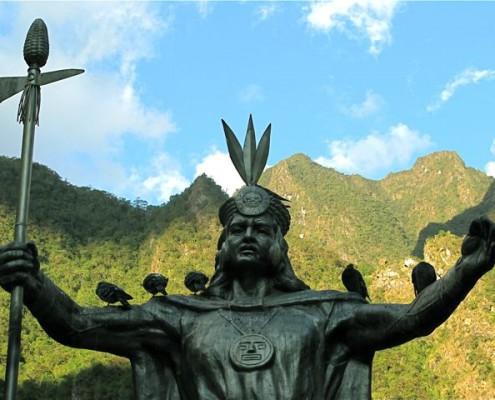 Yupanqui Statue