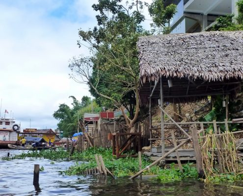 Floating houses Iquitos