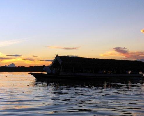 Iquitos Sonnenuntergang am Fluss