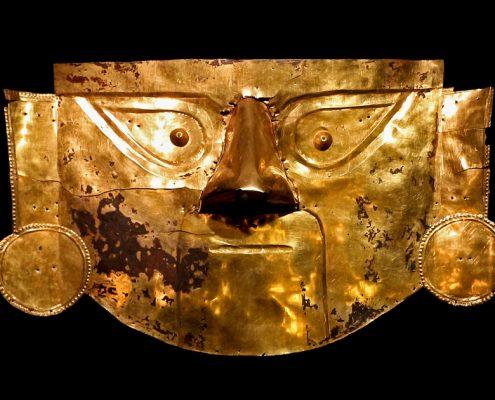 Máscara de oro de Lambayeque