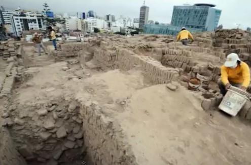 Vier prä-Inka Gräber in Lima entdeckt