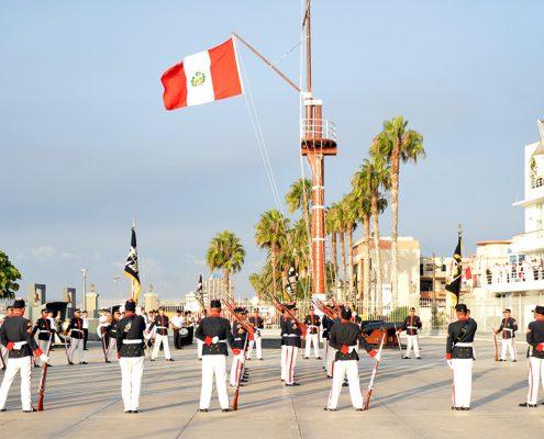 Desfile del callao en el puerto.