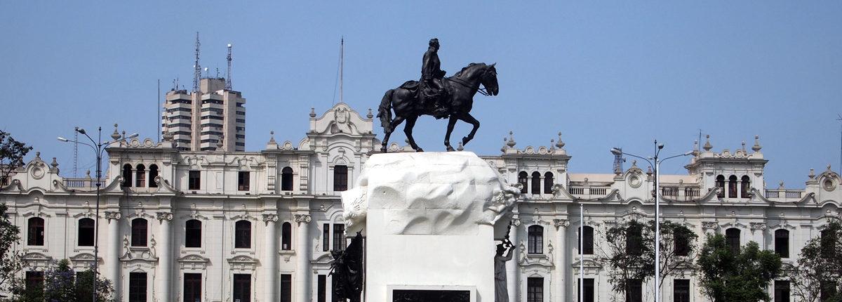 La Plaza de San Martín - un recordatorio de la lucha de Lima por la independencia
